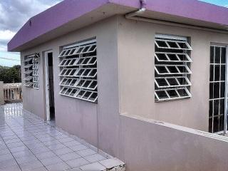 AGUA Y LUZ INCLUIDA $600 URB SANTA JUANITA