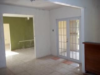 Caguas - Munoz Grillo 3,626 Mcdos