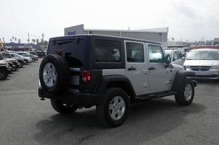 Jeep Wrangler Unlimited Sport Plateado 2012