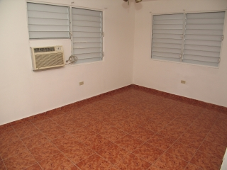 Reparto Metropolitano 2Casas+1Apt.Income Property $155K *Negociable*