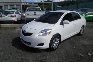 Toyota Yaris Blanco 2012