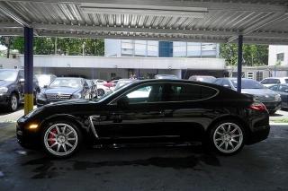 Porsche Panamera Turbo Negro 2011