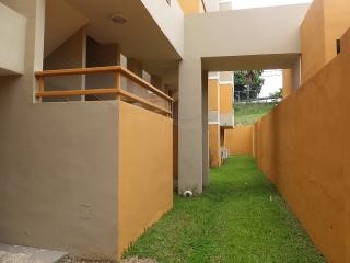 13-0181 En Cond Vistas del Pinar, Toa Alta, PR