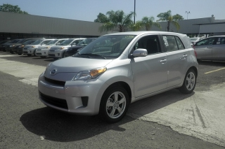Scion Xd Plateado 2014