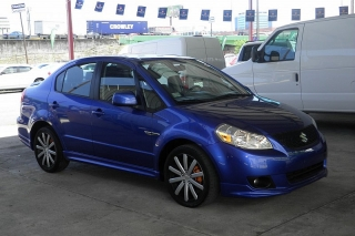 Suzuki Sx4 Le Popular Azul 2013