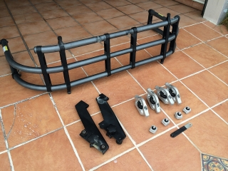 Nissan Fontier BED EXTENDER y Cleat & Stop Kit NUEVO*****