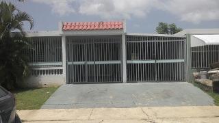 SE VENDE CASA URB. PATIOS DE REXVILLE, BAYAMON