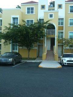 Caguas, Prados Islabella, $1,300 Mant. Incluido.