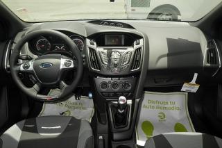 Ford Focus St Blanco 2014