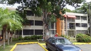 14-0023 En Cond. Parque de Bonneville, Caguas, PR