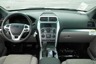 Ford Explorer Base Plateado 2015