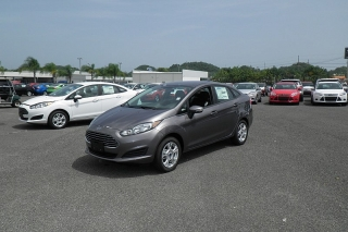 Ford Fiesta Se Gris Oscuro 2014