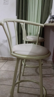 Se Vende 2 Sillas de stool