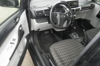 Scion Iq Negro 2012