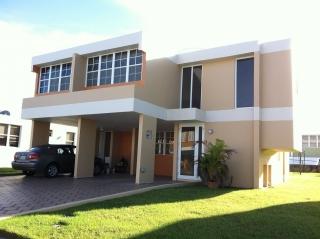Bella Casa en Urb Los Montes