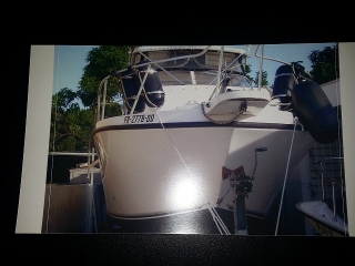 Se vende Bote Mako Outboard 1999