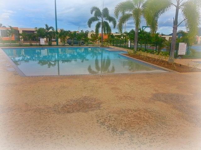 Casa de verano en cabo rojo con piscina bienes ra ces for Alquiler casa con piscina granada
