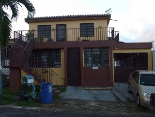 CASA TERRERA 4 H/2 BANOS CERCA DE TODO A PIE