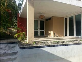 ENCANTADA VALLE SAN JUAN PISCINA/TERRAZA reposeida, en Trujillo Alto Puerto Rico Casa en Urbanizacion-Valle San Juan, Encantada de 3 Cuartos y 2 1/2 Baños