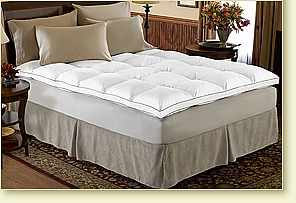 FEATHERBED TOPPER/LUXURY MATTRESS TOPPER/SIMMONS BEAUTYREST PILLOWTOP MATTRESS/MODERN FLOATING PLATFORM BED/KING SIZE Sobrecama de plumas/ Lujoso sobre cama/ Colchón Beauty rest Simmons/ Moderna plataforma flotante para cama/ King Size