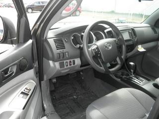 Toyota Tacoma Gris Oscuro 2015