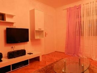 Excelente apartamento remodelado Cond. ESJ Towers