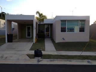 Rento casa Urb Llanos de Isabela $675