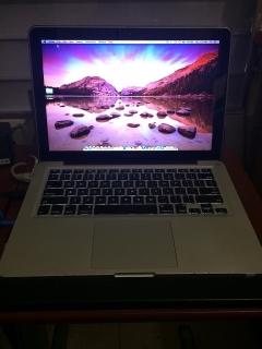 """Macbook Pro 13"""" i7 500GB HD, 2011"""