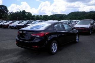 Hyundai Elantra Se Negro 2015