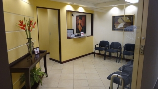 Se comparte espacio en oficina profesional