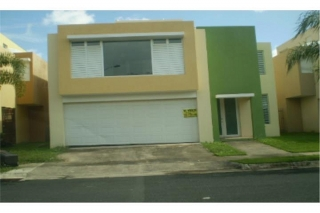 REPO. RIVER GARDEN / 5% GASTOS, en Canovanas Puerto Rico Casa en Urbanizacion-River Garden Estates