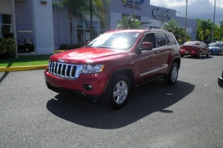 Jeep Grand Cherokee Laredo Rojo Vino 2011
