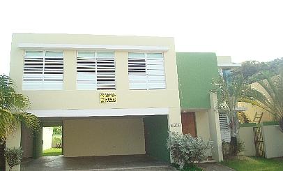 URB. RIVER GARDEN, 4H, 2B, 344 MC, $250K, en Canovanas Puerto Rico Casa en Urbanizacion-River Garden de 4 Cuartos y 2 Baños
