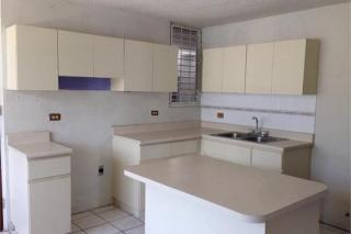 REPO. MONTE ELENA, 3% GASTOS, DORADO, en Dorado Puerto Rico Casa en Urbanizacion-Monte Elena de 3 Cuartos y 2 Baños