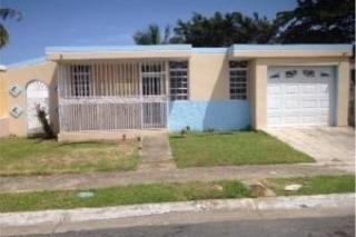 REPO, 3% PARA GASTOS, VEGA BAJA, en Vega Baja Puerto Rico Casa en Urbanizacion-San Vicente de 3 Cuartos y 3 Baños