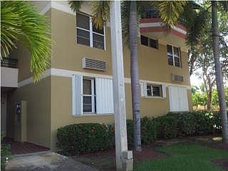 Urb. Chalets de la Playa,3c,2b, gardens., en Vega Baja Puerto Rico Apartamento - Apartments Building en Condominio-Chalets De La Playa de 3 Cuartos y 2 Baños