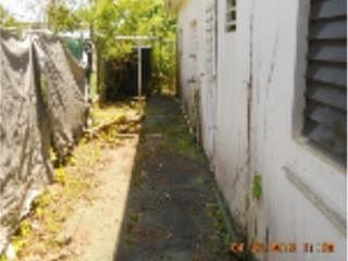 APORTACION 5% PARA GASTOS, en Vega Baja Puerto Rico Casa en Urbanizacion-Ocean Front de 5 Cuartos y 4 Baños