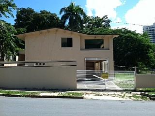 Urb Park Side,  Calle 6 F 1,