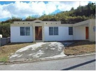 VILLA TROPICAL , REBAJADA, en Coamo Puerto Rico Casa en Sector-Villa Tropical de 4 Cuartos y 2 1/2 Baños
