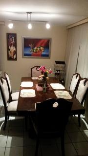 Comedor con 6 sillas