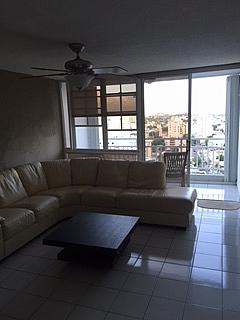 COND. TORRECIELO: Hermoso apartamento en Condado - como NUEVO!