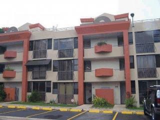 Se Alquila Apartamento/WalkUp, COND VILLAS DE MONTECARLO. 65 infanteria en San Juan-Río Piedras Puerto Rico