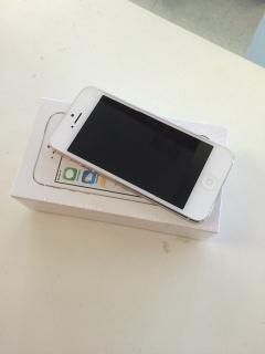 Iphone 5 de 16g at&t. Clean