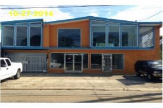 Edificio Comercial Frente a la Carr. #2 Isabela