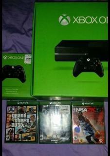 Xbox one con 2 controles y 3 juegos