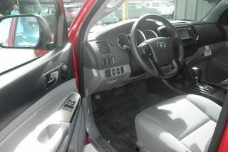 Toyota Tacoma Extended Cab Pickup Rojo Vino 2015
