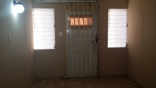FOR RENT ROYAL TOWN BAYAMON INCLUYE AGUA Y LUZ