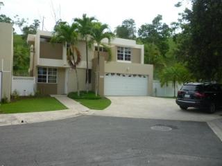 15-0137 Renta de Casa en Urb. Parque Del Rio