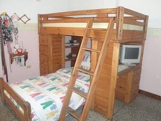 Cama litera, 6 gavetas y escritorio integrado