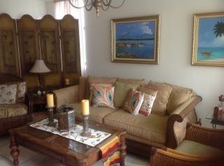 Sofa Bassett por tan solo $399, Aprovecha.
